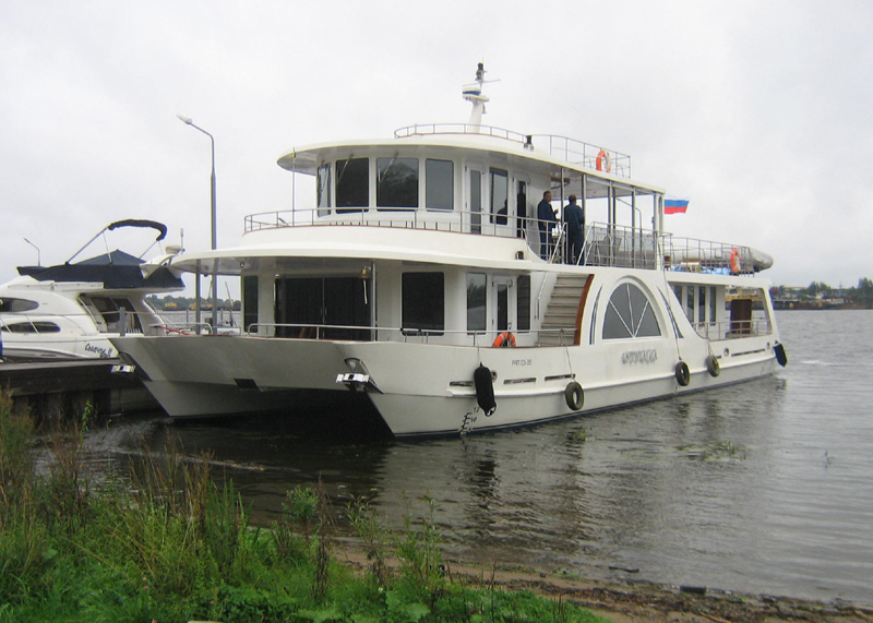Yacht-Houseboat OTRADA. SeaTech ltd